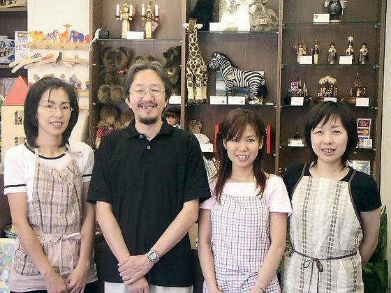 おもちゃ作家 松島洋一さんがお店を訪ねてくれました